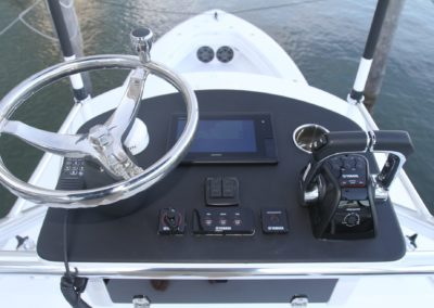 Contender 39' Fisharound Second Station controls
