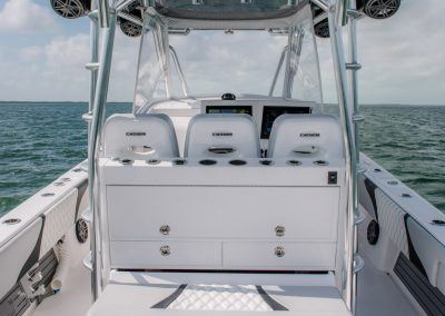 Contender Boats 39 FA - slide out cooler