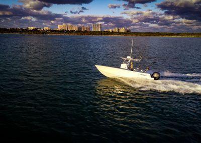 Contender 25T - running Key Biscayne, FL 25T Contender