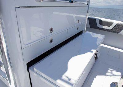 Contender-Boats-44ST-Interior-FSBB-0468