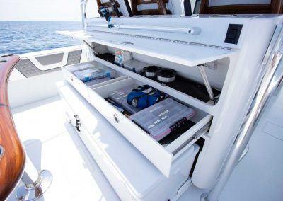 Contender-Boats-44ST-Interior-FSBB-0470