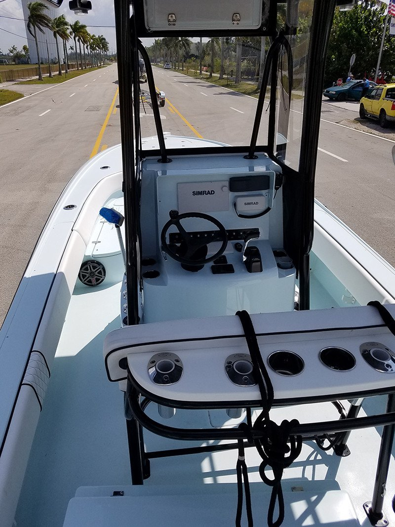 25 bay fishing boat born in biscayne bay contender boats for Boat mailbox