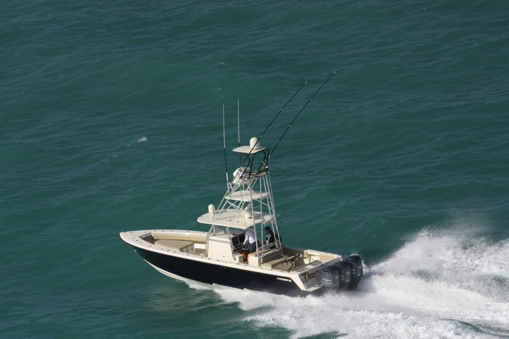 Contender offshore tournament fishing boats contender boats for Off shore fishing boats