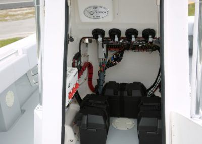 Contender 25T Batteries in Console (extra battery)