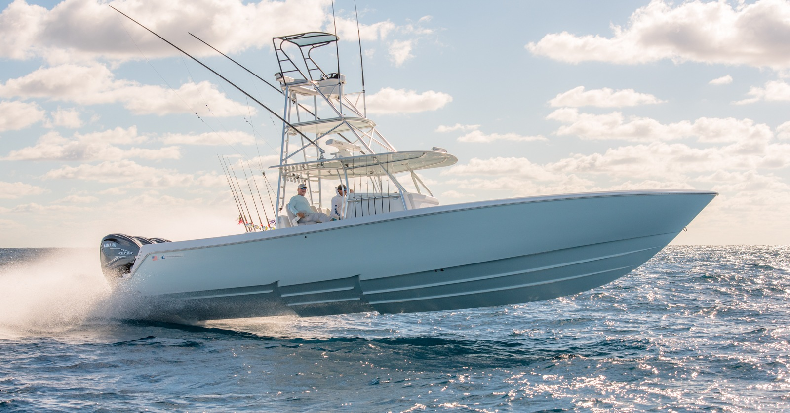 44 ST - Center Console Offshore Fishing Machine - Contender Boats